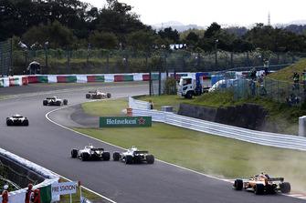 Charles Leclerc, Sauber C37 lotta con Sergey Sirotkin, Williams FW41
