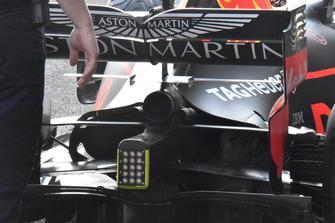Vue détaillée d'un aileron arrière de Red Bull Racing RB14