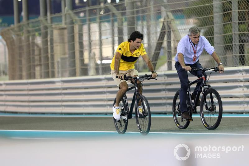 Карлос Сайнс-мол., Renault Sport F1 Team, Карлос Сайнс