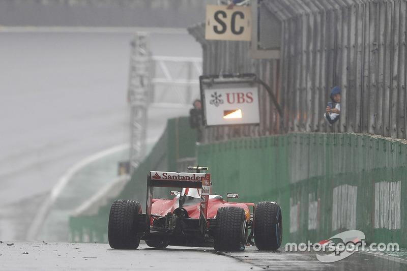 Kimi Raikkonen, Ferrari SF16-H crash