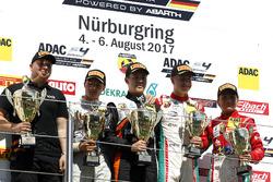 Podium: 1. Felipe Drugovich, Van Amersfoort Racing, 2. Lirim Zendeli, Mücke Motorsport, 3. Juri Vips, Prema Powerteam, bester Rookie Enzo Fittipaldi, Prema Powerteam