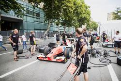 Sergio Sette Camara, MP Motorsport practica pitstops