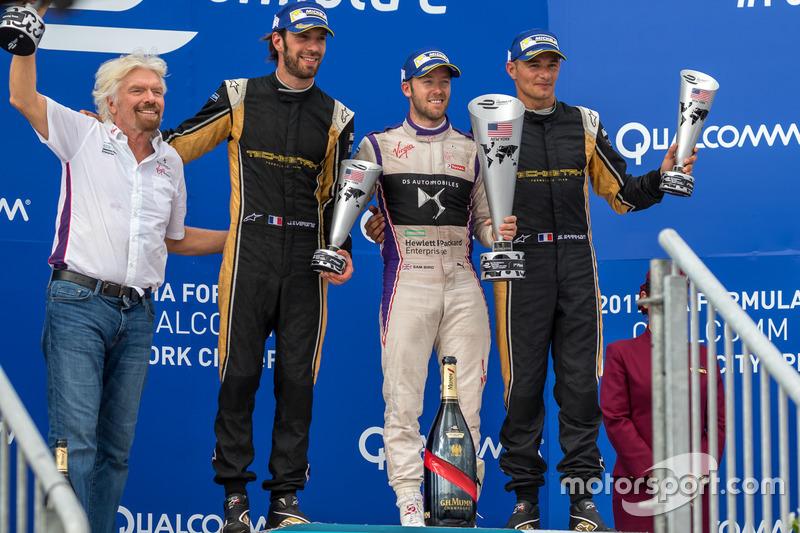 Podio: ganador Sam Bird, Virgen DS Racing, segundo lugar Jean Eric Vergne, Techeetah, tercer lugar Stéphane Sarrazin, Techeetah, Richard Branson