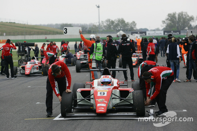 Marcus Armstrong, Prema Power Team in griglia di partenza