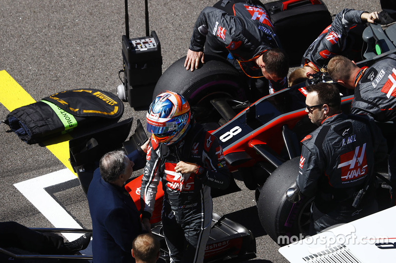 Romain Grosjean, Haas F1 Team, n the grid
