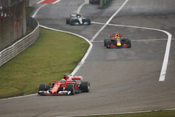 Кими Райкконен, Ferrari SF70H, Макс Ферстаппен, Red Bull Racing RB13, Валттери Боттас, Mercedes AMG F1 W08
