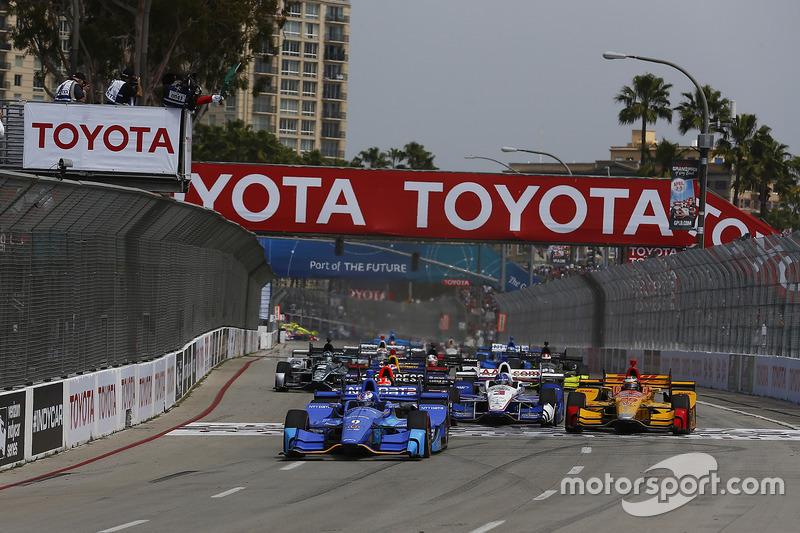 Start: Scott Dixon, Chip Ganassi Racing, Honda, führt