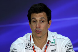 Toto Wolff, directeur exécutif de Mercedes AMG F1 lors de la conférence de presse