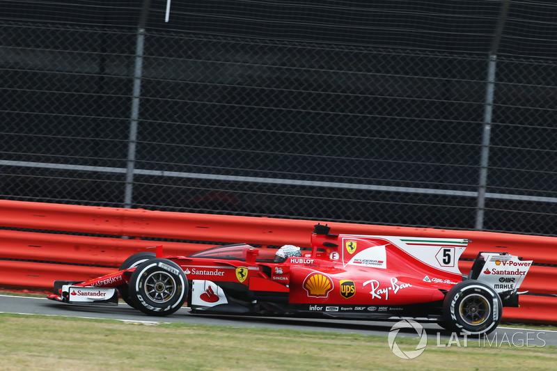 Sebastian Vettel, Ferrari SF70H con el escudo de la cabina