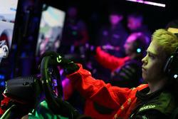 Участник McLaren World's Fastest Gamer