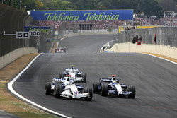 Nick Heidfeld, BMW Sauber F1.07 alongside Nico Rosberg, Williams FW29
