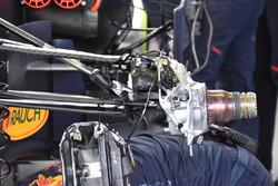 Red Bull RB13: Vorderradaufhängung