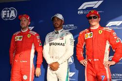 Обладатель поула Льюис Хэмилтон, Mercedes AMG F1, второе место – Себастьян Феттель, третье место — Кими Райкконен, Ferrari