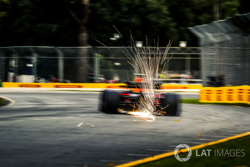 Max Verstappen, Red Bull Racing RB14, scintille