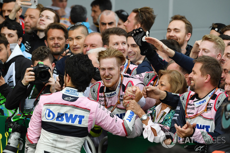Sergio Perez, Force India celebra en parc ferme
