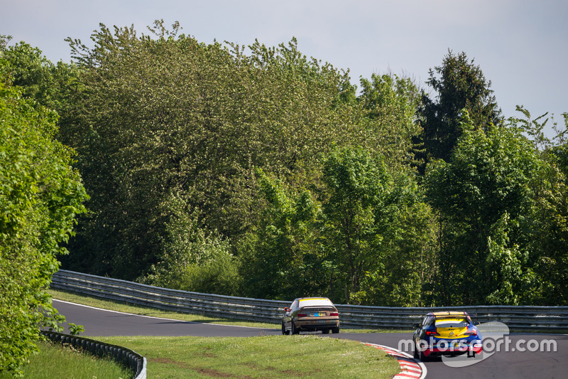 #254 Team WS Racing, Opel Astra OPC Cup: Friedrich Rabensteiner, Uwe Stein, Tatjana Hanser, Christoph Hewer
