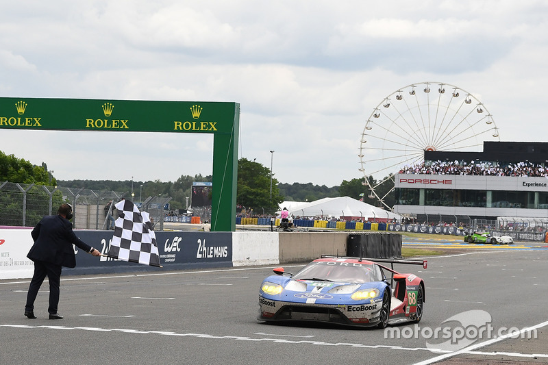 Checkered Flag For  Ford Chip Ganassi Racing Ford Gt Joey Hand Dirk