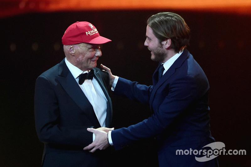 Niki Lauda mit dem Laureus-Award für das Lebenswerk
