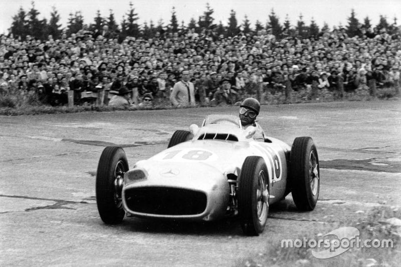 1954: Juara dunia, Juan Manuel Fangio, Mercedes-Benz W 196 R