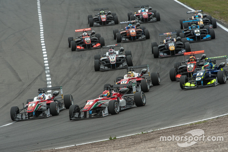 Race Start, Nick Cassidy, Prema Powerteam Dallara F312 - Mercedes-Benz, Lance Stroll, Prema Powerteam Dallara F312 - Mercedes-Benz