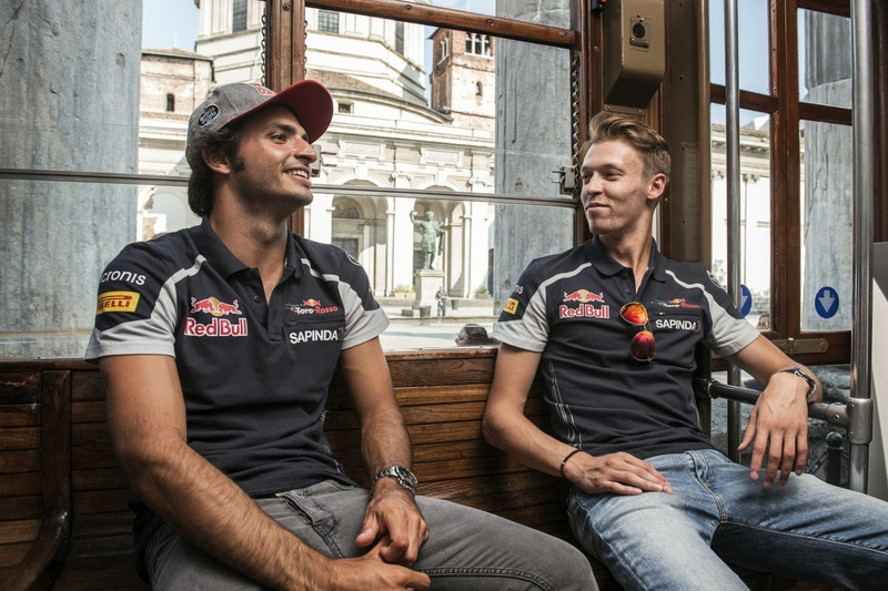Carlos Sainz Jr. and Daniil Kvjat chat on the historical tram of Milano