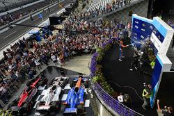 Podium: 1. Will Power, Team Penske Chevrolet; 2. Scott Dixon, Chip Ganassi Racing Honda; 3. Robert Wickens, Schmidt Peterson Motorsports Honda