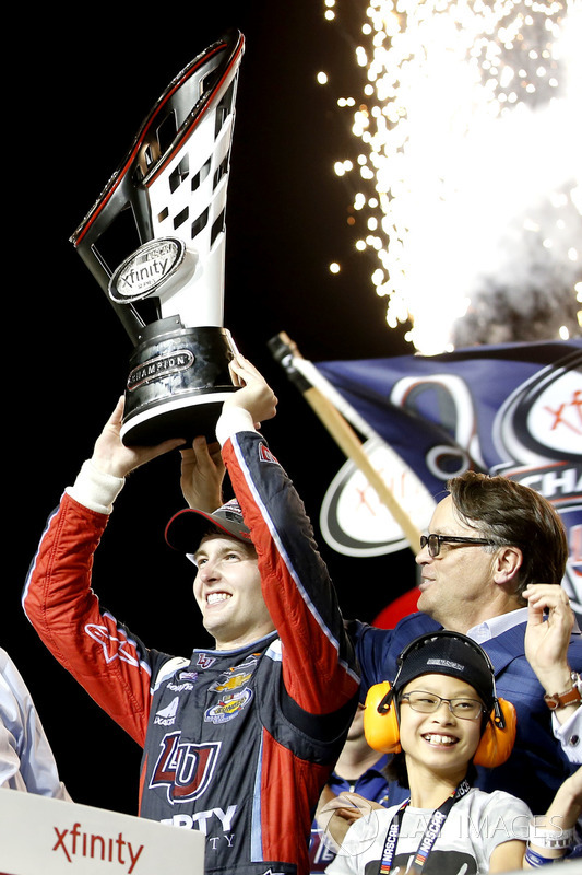 2017 champion William Byron, JR Motorsports Chevrolet