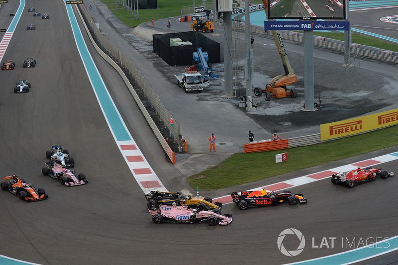 Max Verstappen, Red Bull Racing RB13, Sergio Perez, Sahara Force India VJM10 ve Nico Hulkenberg, Renault Sport F1 Team RS17