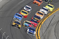 Alex Bowman, Hendrick Motorsports Chevrolet Camaro, Erik Jones, Joe Gibbs Racing Toyota
