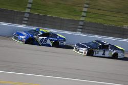 Jimmie Johnson, Hendrick Motorsports Chevrolet and Jamie McMurray, Chip Ganassi Racing Chevrolet