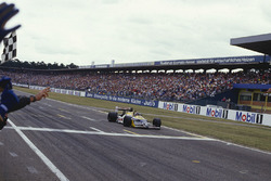 Race winner Nelson Piquet, Williams FW11B Honda