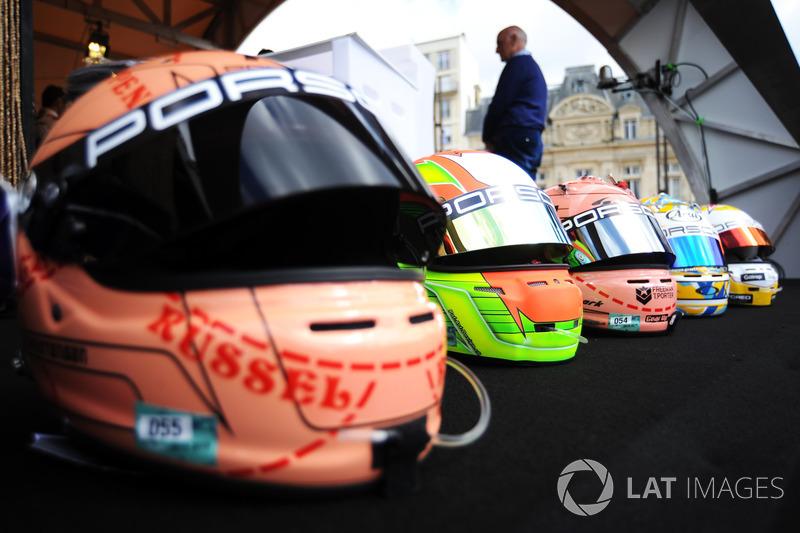 I caschi dei piloti del team Porsche GT