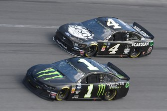 Kurt Busch, Chip Ganassi Racing, Chevrolet Camaro Monster Energy, Kevin Harvick, Stewart-Haas Racing, Ford Mustang Busch Beer Car2Can