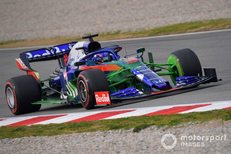 Toro Rosso STR14 з аеродинамічною фарбою