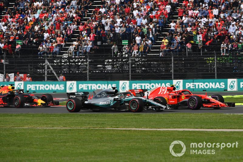 Lewis Hamilton, Mercedes-AMG F1 W09 EQ Power+ ve Kimi Raikkonen, Ferrari SF71H