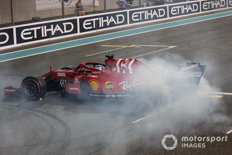 Sebastian Vettel, Ferrari SF71H fait des donuts
