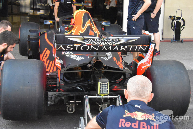 Red Bull inmediatamente imitó las aletas del suelo que Ferrari probó en la última ronda en los Estados Unidos (y que no funcionaron)
