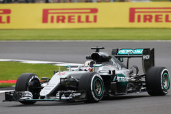 Lewis Hamilton, Mercedes AMG F1 W07 Hybrid waves to the fans