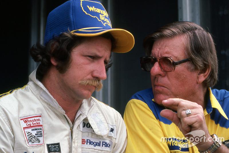 Dale Earnhardt und Bud Moore