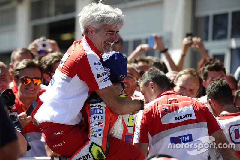 Gigi Dall'Igna, General Manager Ducati Corse, Andrea Iannone, Ducati Team