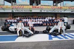 Felipe Massa, Williams; Paul di Resta, piloto de reserva de Williams; y Valtteri Bottas, Williams, e