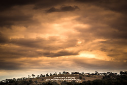Morgengrauen am Mount Panorama in Bathurst