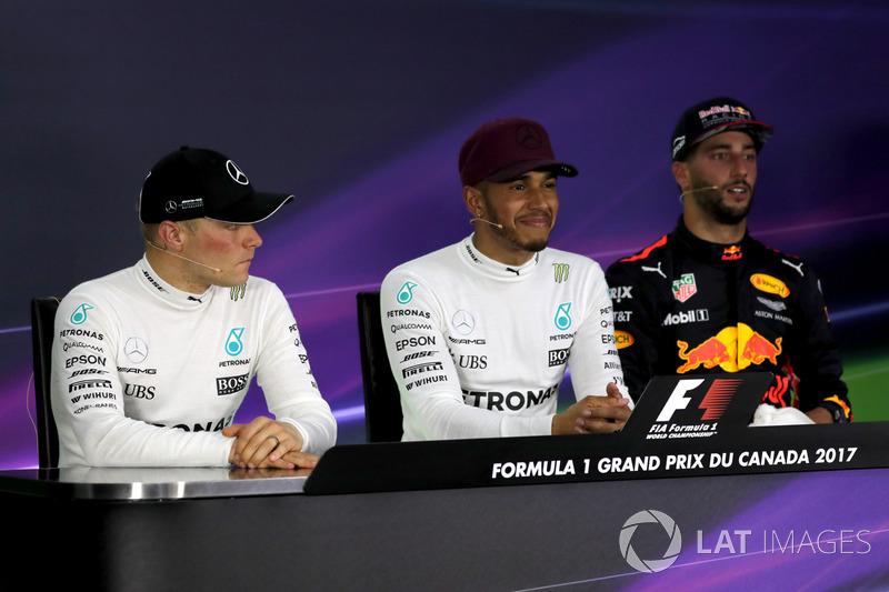 Победитель Льюис Хэмилтон, второе место – Валттери Боттас, Mercedes AMG F1, третье место – Даниэль Риккардо, Red Bull Racing
