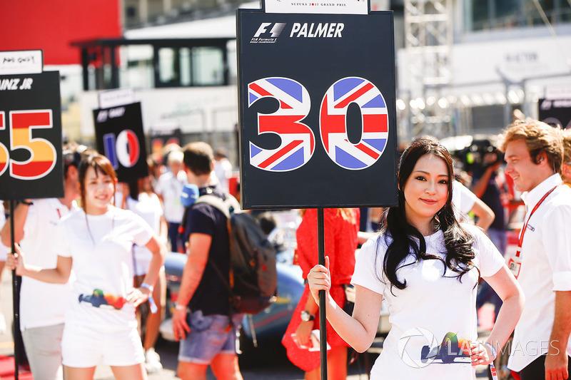 Grid Girls for Jolyon Palmer, Renault Sport F1 Team, Carlos Sainz Jr., Scuderia Toro Rosso
