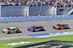 Kyle Busch, Joe Gibbs Racing Toyota, Denny Hamlin, Joe Gibbs Racing Toyota, Martin Truex Jr., Furniture Row Racing Toyota