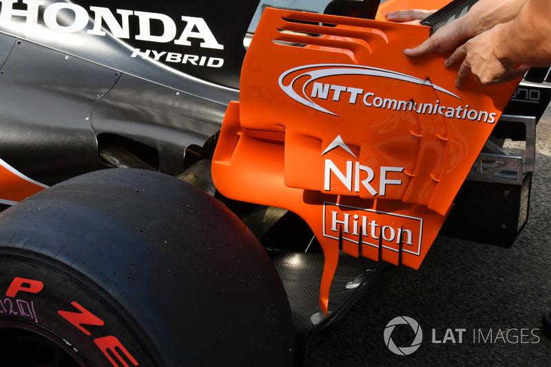 Detalle del alerón trasero del McLaren MCL32