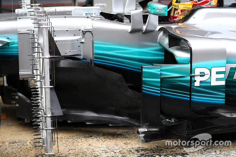Mercedes AMG F1 W08: боковой понтон