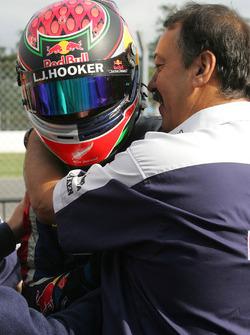 Il vincitore della gara Brendon Hartley, Epsilon Red Bull Team