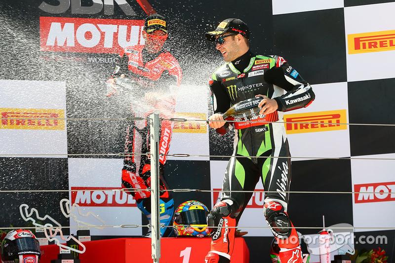 Podio: ganador de la carrera Chaz Davies, Ducati Team, segundo lugar Jonathan Rea, Kawasaki Racing, tercer lugar Marco Melandri, Ducati Team