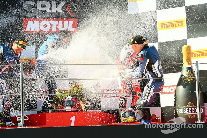 Podio: il vincitore ddella gara Lucas Mahias, GRT Yamaha Official WorldSSP Team, il secondo classificato Sheridan Morais, Kallio Racing, il terzo classificato P.J. Jacobsen, MV Agusta
